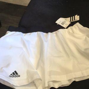 Adidas skort NWT size L/L